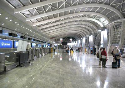 airport-144331_1920
